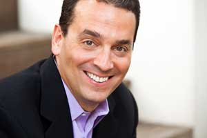 We Are All in Sales: Daniel Pink Talks Selling on Marketing Smarts [Podcast]
