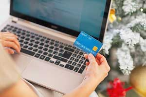 How the Customer Journey Differs for Holiday E-Commerce Shoppers