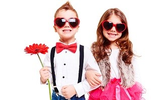Forget Romance: 2015 Valentine's Day Shopping Trends Toward Family and Friends