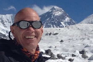 Building a Global Reputation in a Lofty Niche: Award-Winning Mountain Climber and Author Vern Tejas on Marketing Smarts [Podcast]