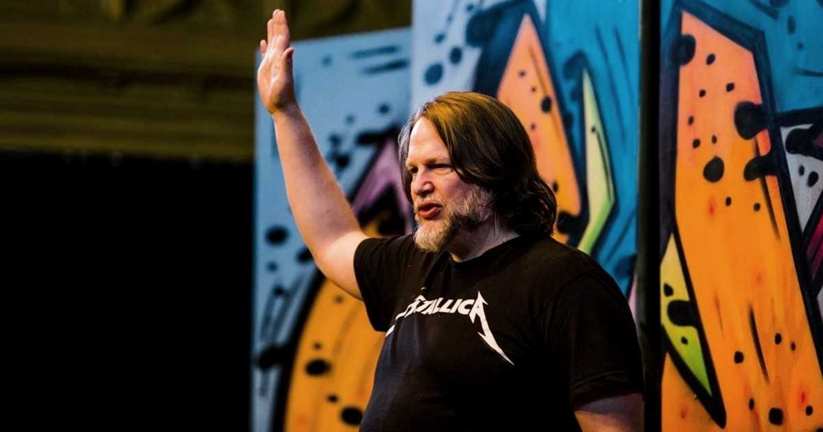 Let Stories Do the Heavy Lifting: StoryLeader Creator Chris Brogan on Marketing Smarts [Podcast]