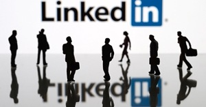 Image for Four Ways to Make Your Pitch Stand Out on LinkedIn