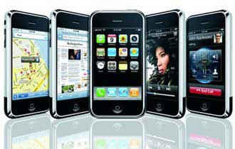 iPhone Tops Blackberry in Smartphone Loyalty