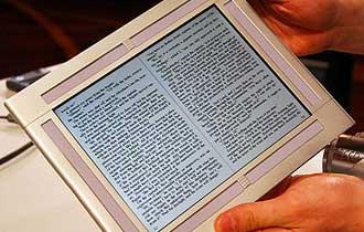 E-Books Attract Internet-Savvy, Educated