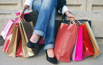 Holiday Shoppers to Spend Less This Year
