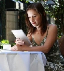 The Rise of E-readers: Two Huge Marketing Implications